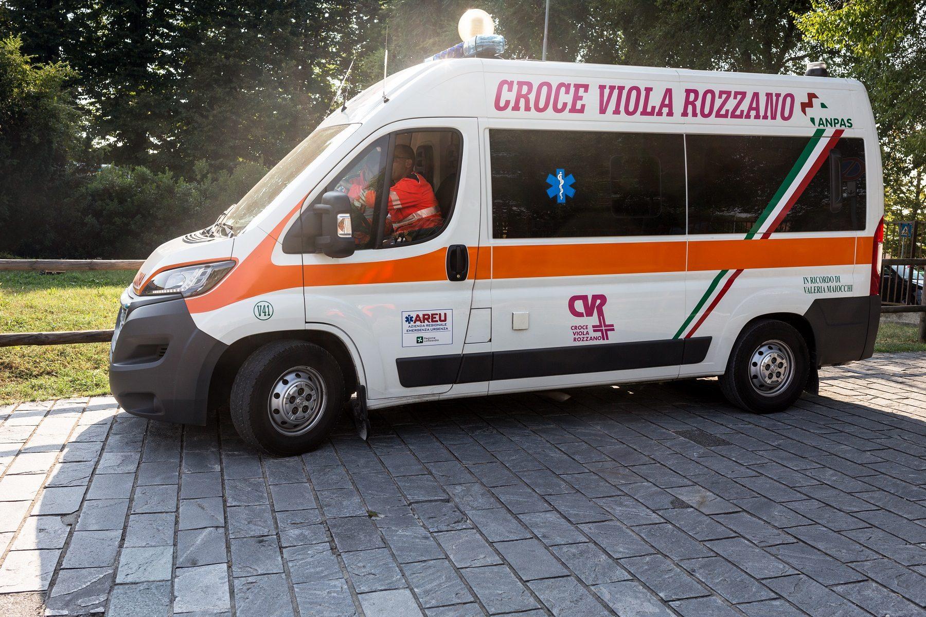 Ambulanza V41 della Croce Viola Rozzano